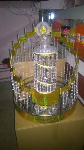 tháp ly vàng